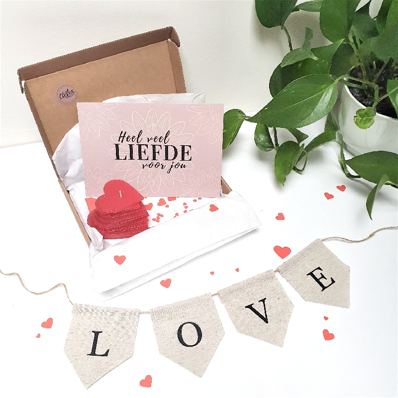 brievenbusdoosje vol cadeautje voor de liefde