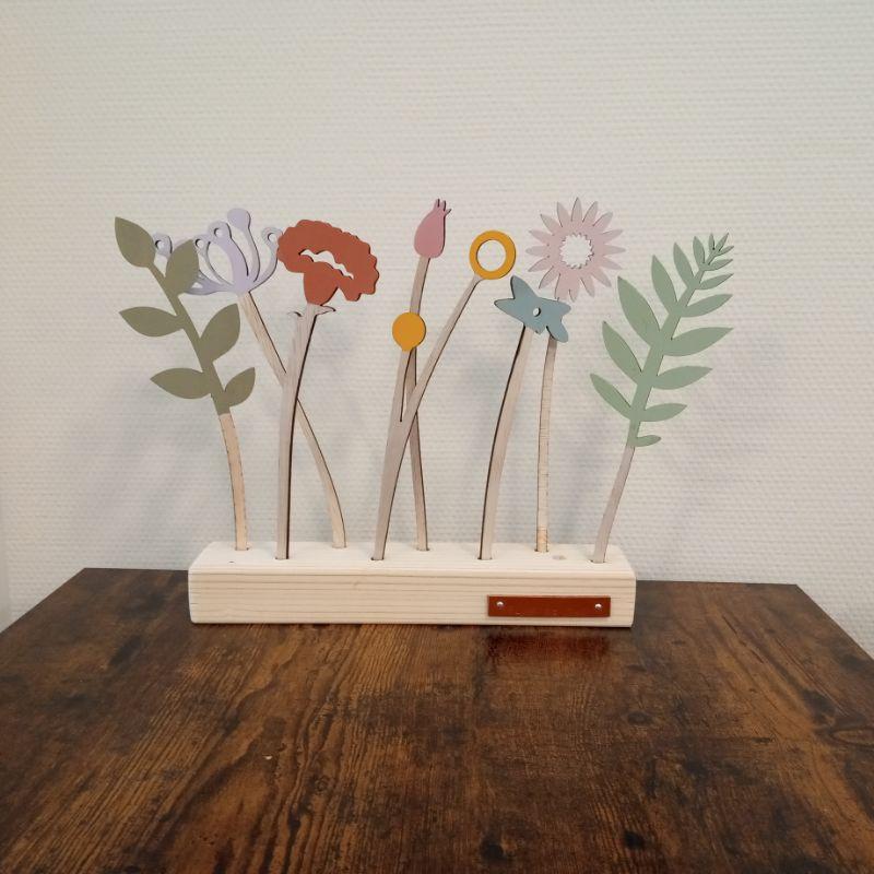 bloem boeketje houten bloemen in de woonkamer