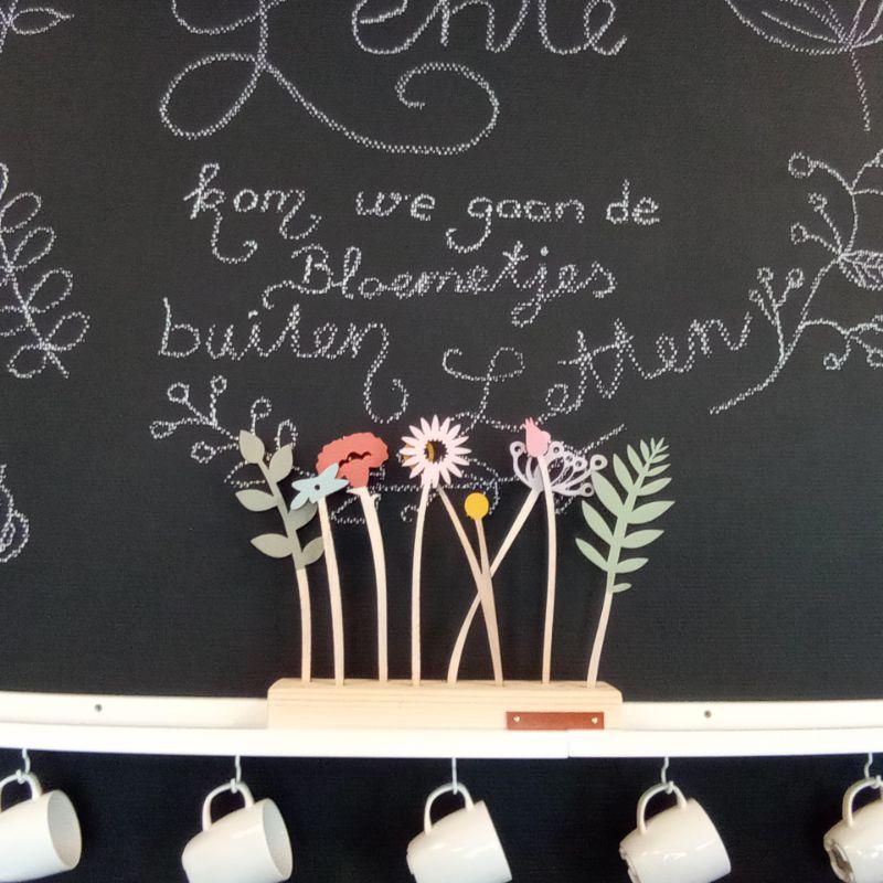 boeketje houten bloemen